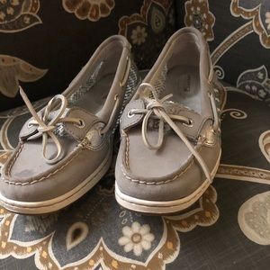 Silver Sperry Angelfish boat shoes.
